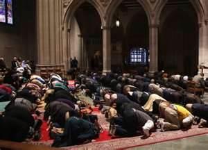 MuslimsinWashingtonCathredral