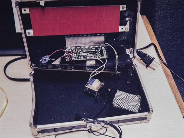 clock-bomb-640x480