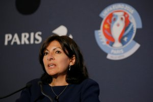 Paris Mayor Anne Hidalgo speaks during a news conference prior to runveiling the Euro 2016 Fan Zone at the Tour Eiffel in Paris, France, May 9, 2016. REUTERS/Gonzalo Fuentes