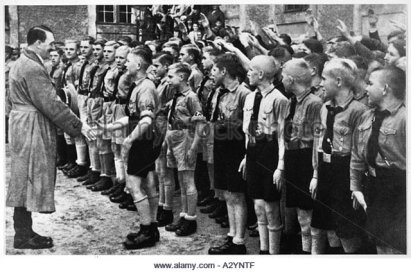 hitler-hitler-youth-a2yntf